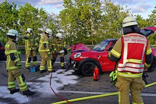 """Verkehrsunfall durch illegales """"Einzelrennen"""" - Auto und Führerschein sichergestellt"""