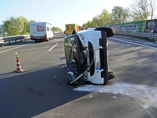Zwei Schwerverletzte bei Verkehrsunfall auf der BAB 553