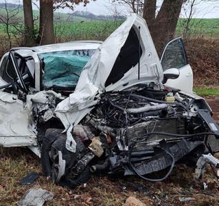 Verkehrsunfall mit zwei Verletzten und erheblichem Sachschaden