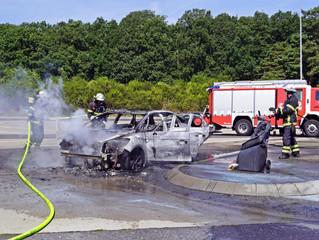 PKW-Brand auf der Autobahn A1
