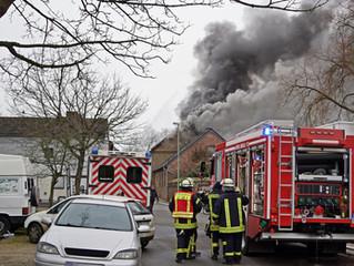 Brand in einem landwirtschaftlichen Gebäude