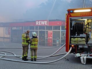 Rewe-Filiale niedergebrannt