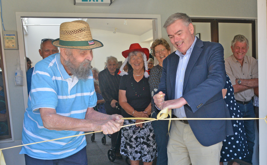 Brant Robinson & Scott Simpson (MP) cutting the ribbon for the opening of the Sensory Garden