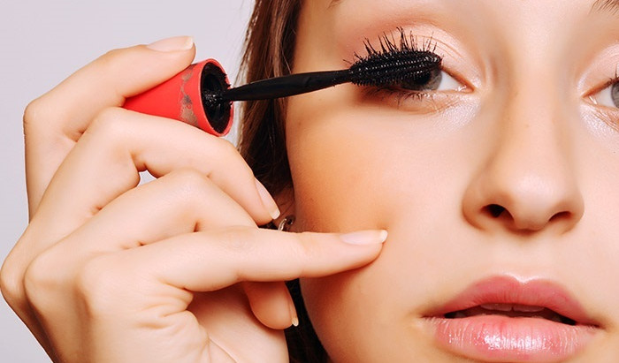 5 Mascara Hacks For Longer Looking Lashes