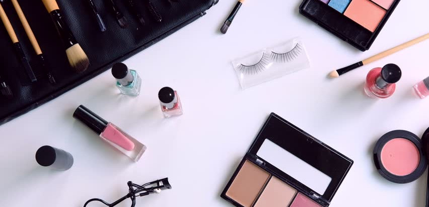 The Beginners Drugstore Makeup Kit: Which Products Are The Best For Those Just Starting Out?