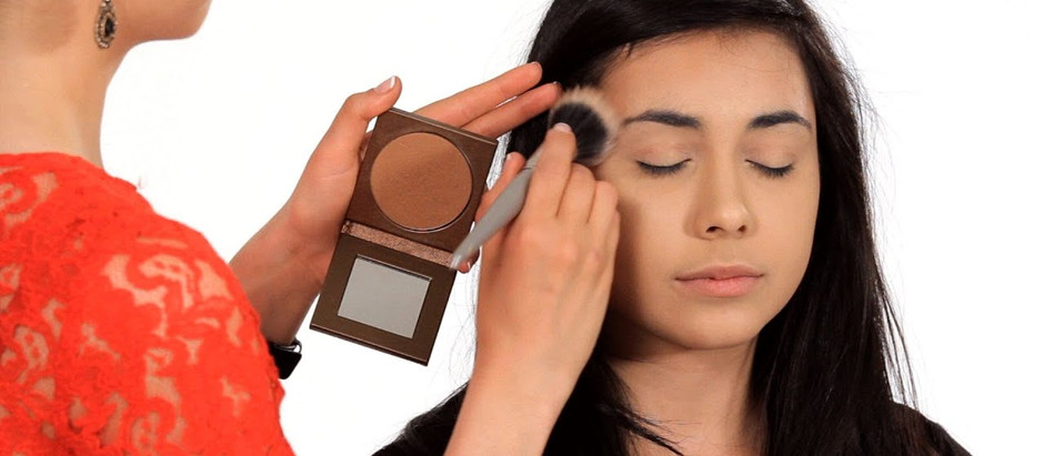 Bronzer V.S Contour: What Is The Difference?