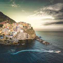 TOWN ON THE CLIFF
