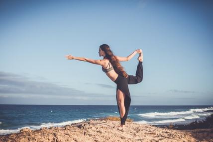 Yoga On Dunas
