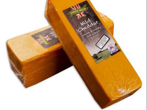 Queijo Cheddar Mild Joseph Heller embalagem de 2,5kg - caixa com 8 unidades