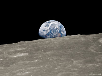 Earthrise_Apollo8_2018.jpg