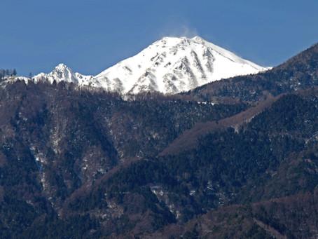中央アルプス宝剣岳と大久保富士