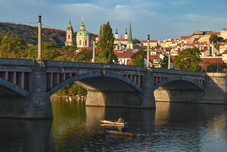 Mánesův most, chrám sv.Mikuláše