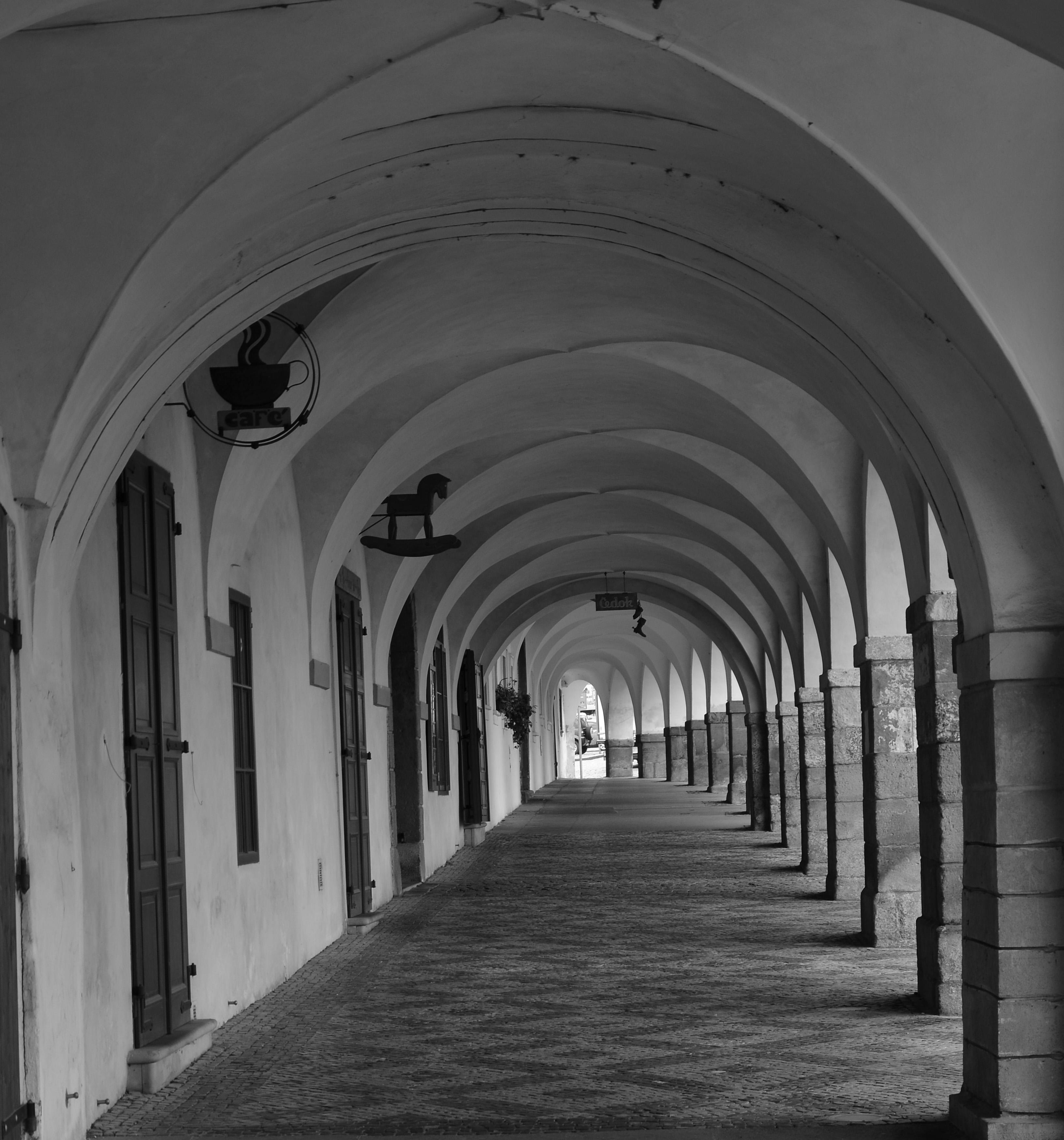 Le portique, Pohořelec