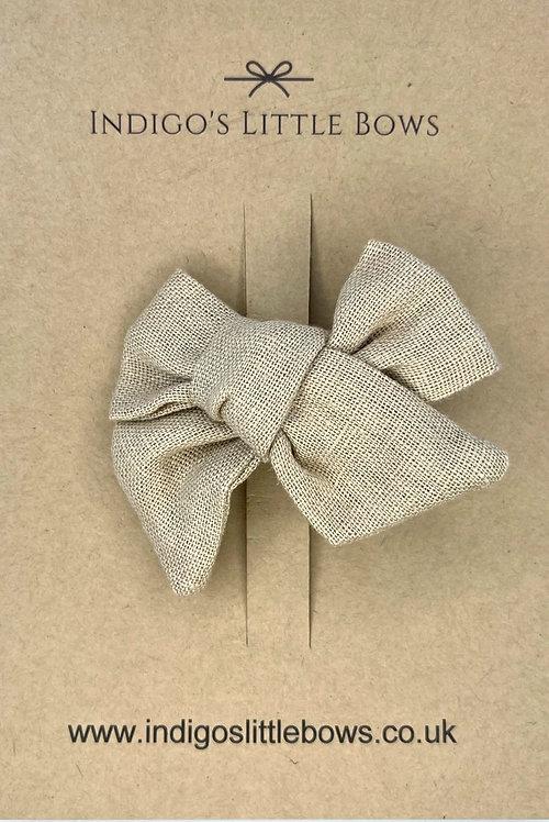 Sand Linen Bow Clip