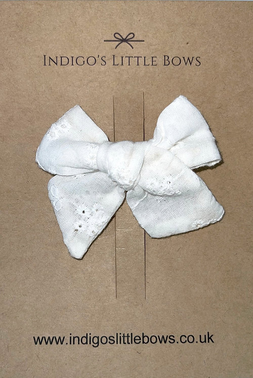 White Broderie Bow Clip