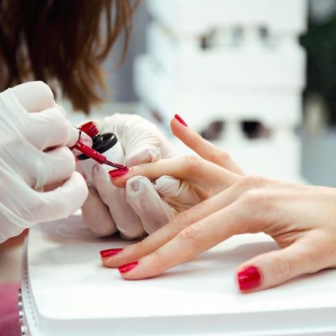 5 Key Skills to Be a Nail Technician