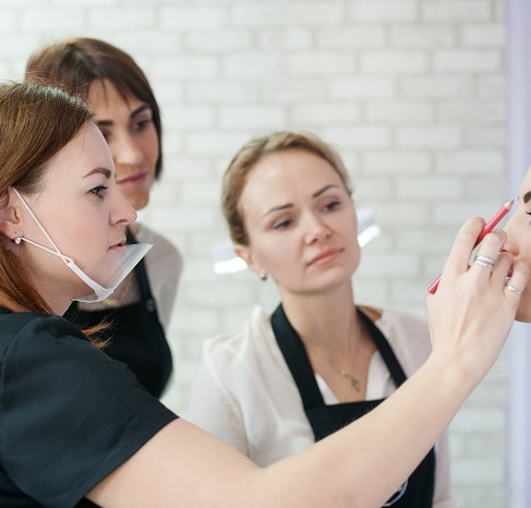 Tips for Choosing the Right Esthetics School