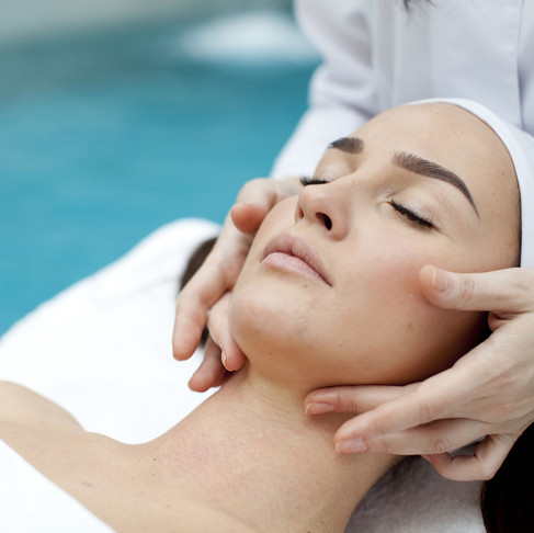 Great Reasons to Become a Skincare Specialist
