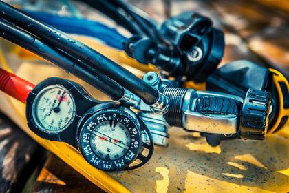 Service dykutrustning Stockholm. Team Divers erbjuder service på alla välkända märken på marknaden.
