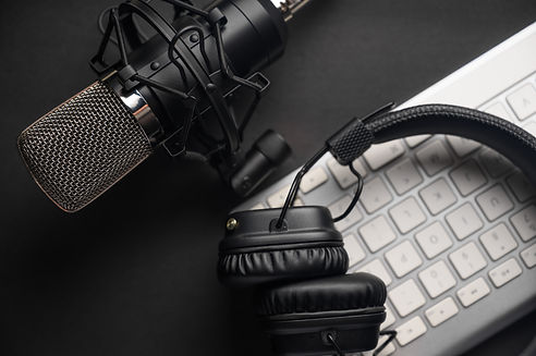 Microphone for podcasts and studio headp