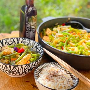 Asia Bowl mit Bohnen, Paprika und Tofu