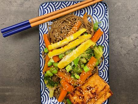 Japanische Sesam Soba Noodles