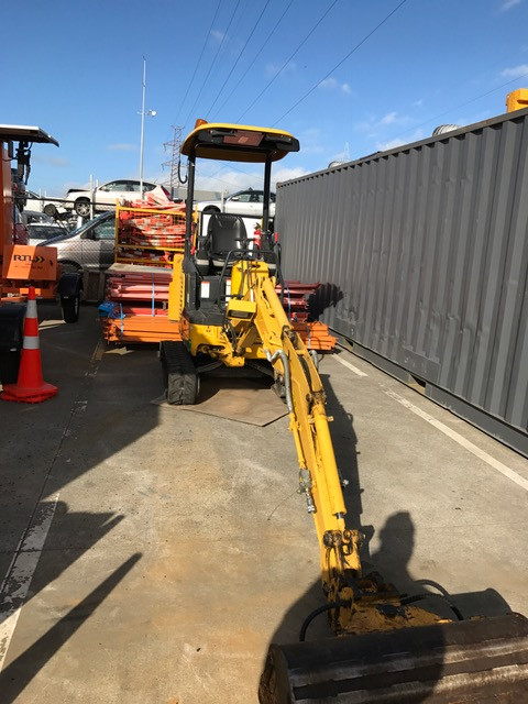 Truck and Digger Hire Auckland.JPG