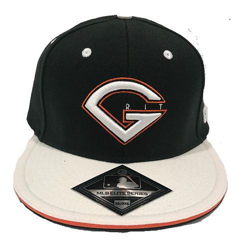 GRIT LOGO HAT - BLACK/WHITE (visor)