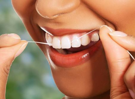 Как использовать зубную нить?