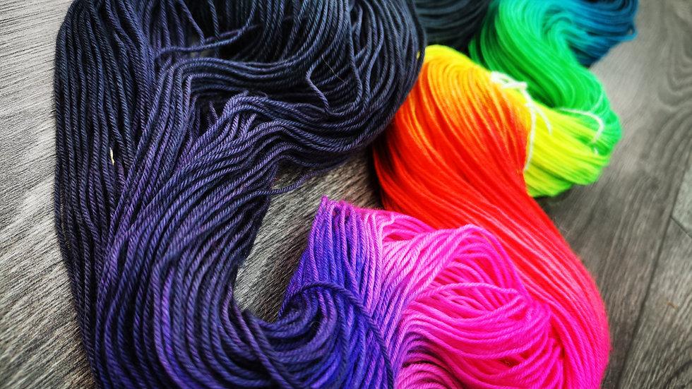 Charcoal Rainbow: (4Ply/Fingering) Micro-Stripe