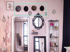 Chapeaux-miroirs-sur-mur_w641h478.jpg