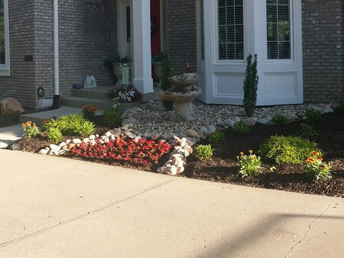 Front Entry Landscaping with mulch decor