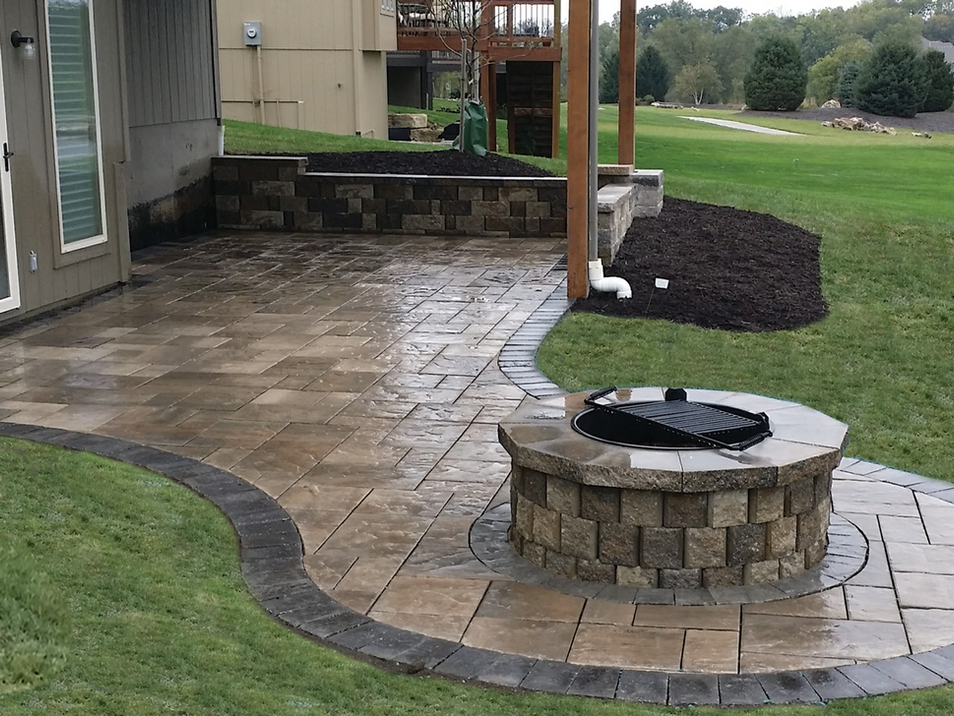 Paver patio small.png