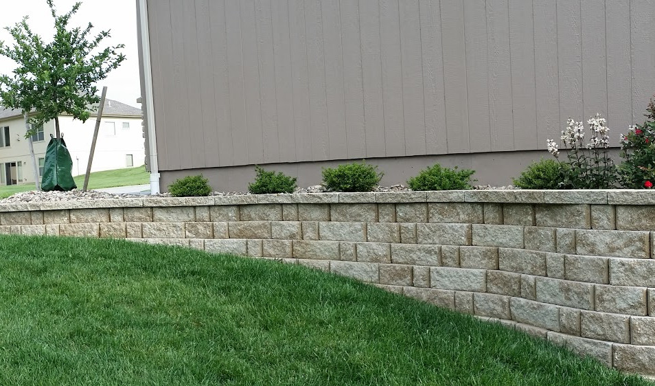3 Piece Combo Retaining wall with orname