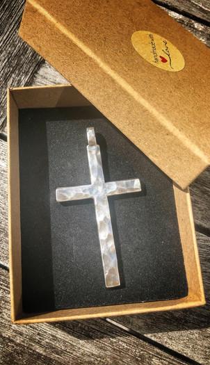 Massives Kreuz