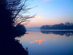 Dawn at Fewston reservoir_40x30
