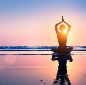 Yoga grátis na praia
