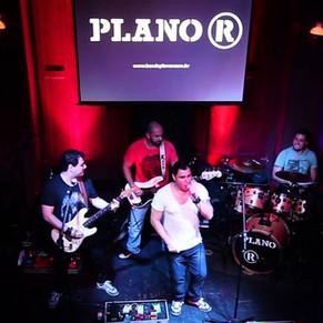 Banda Plano R apresenta karaokê com música ao vivo no New York City Center
