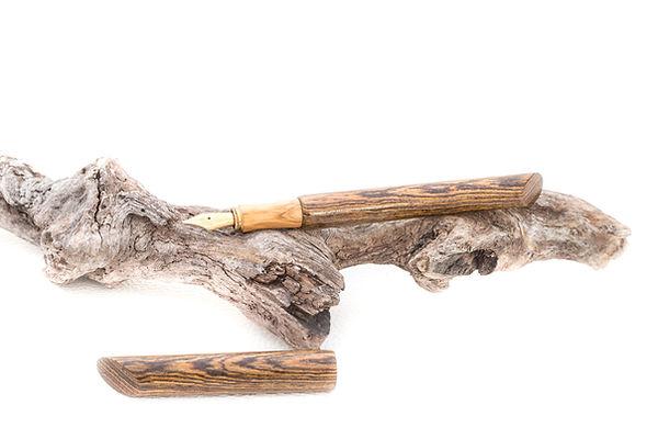gedrechselter Füller aus Holz