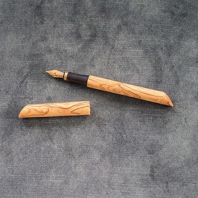 Füller aus venezinischer Olive