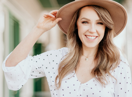 Cute hats and smiles with Rachel of Rachelise Makeup