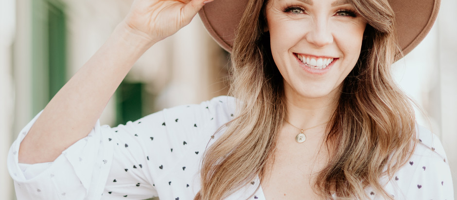 Cute hats and smiles with Rachel of Rachelise Makeup