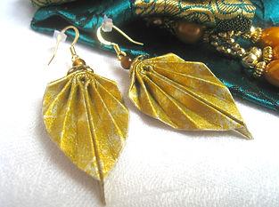 idée cadeau anniversaire, fête des mères, cadeau de Noël, bijoux bohème, origami, Les cubes de Lili, bijoux dorés, papier japonais, bijoux de soirée, perles oeil de tigre, bijoux feuilles