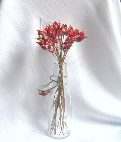 fleurs origami Les cubes de Lili bouquet de fleurs en papier tulipes papier japonais kraft cadeau fête des mère cadeau anniversaire cadeau crémaillère armé fleurs rouges décoration de fêtes décoration de table