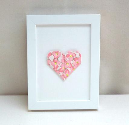 cadeau Saint Valentin, cœur en origami, Les cubes de Lili, décoration murale rose, décoration fleurie, idée cadeau naissance, décoration chambre enfants