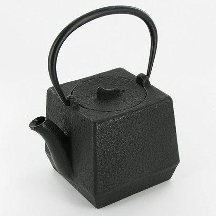 Théière carrée en fonte 800 mL