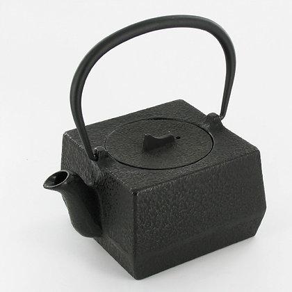 Théière carrée en fonte 600 mL