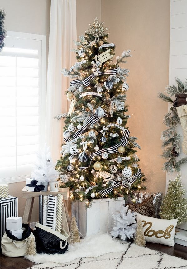 Christmas Decor - Black & White Tree