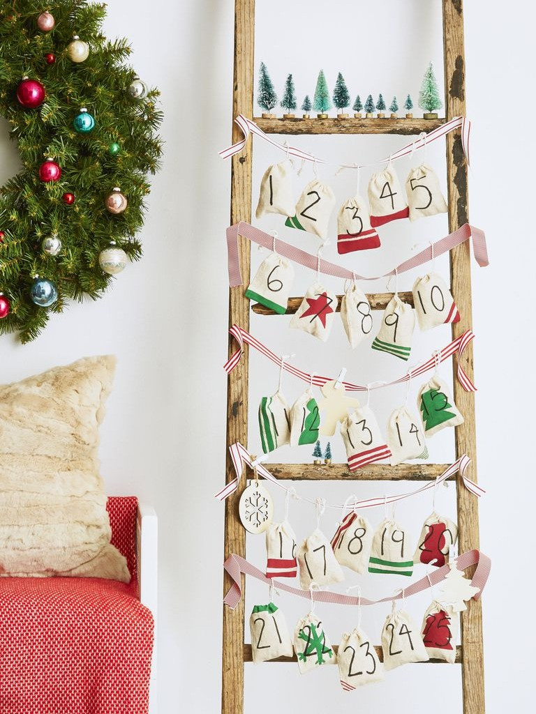 Christmas Decor - DIY - Ladder and Muslin Advent Calendar