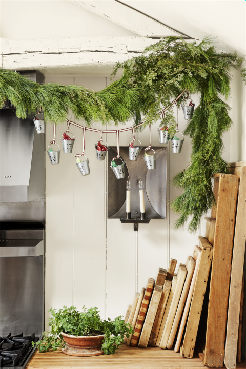 Christmas Decor - DIY - Galvanized Pails Advent Calendar